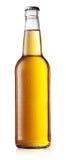 Vit flaska av öl med droppar Royaltyfri Fotografi