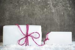 Vit gåva, snö, etikett, kopieringsutrymme Arkivbild