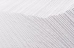 Vit gjord randig kliven abstrakt textur med den rastrerade gränsen Arkivbild