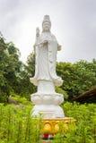 Vit jadestaty av den kvinnliga guden för kineser i Laos Arkivbilder