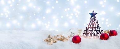 Vit jul med snö royaltyfria bilder