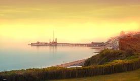 Vit klippasydkust av Britannien, Dover på solnedgången UK Arkivfoton