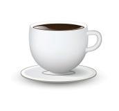 Vit kopp med tefatet på vit bakgrund Arkivfoto