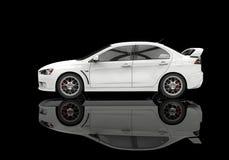 Vit kraftig modern bil på svart bakgrund - sidosikt Arkivbilder