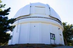 vit kupol för teleskop 60-inch i Mt wilson Arkivfoto