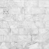 Vit marmor belägger med tegel sömlös durktextur för bakgrund och design Fotografering för Bildbyråer