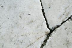 Vit marmortextur med sprickor Royaltyfria Bilder