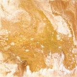 Vit och guld- marmortextur Handattraktionmålning med marmorerade textur- och guld- och bronsfärger Guld- marmor Royaltyfri Foto