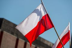 Vit och röd polsk flagga Arkivbild