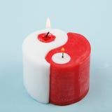 Vit och röd Yin Yang handgjord stearinljus Royaltyfria Foton