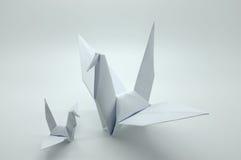 Vit origami kran, fågel, papper Arkivfoto