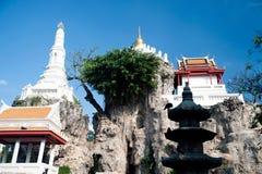 Vit pagod på kullen i den forntida templet, Bangkok Arkivbilder