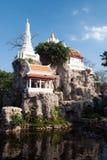 Vit pagod på kullen i den forntida templet, Bangkok Royaltyfri Foto