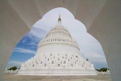 Vit Pagoda Royaltyfria Bilder