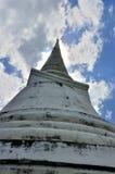 Vit Pagoda i Khao Wang kunglig personslott Royaltyfri Fotografi