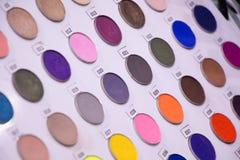 Vit palett av ögonskuggor Royaltyfri Foto