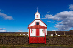 Vit-röd kyrka, Island Royaltyfri Foto