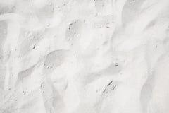 Vit sand på stranden royaltyfri bild