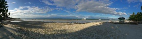Vit sandstrand Panglao, Filippinerna för panoramautsikt Fotografering för Bildbyråer