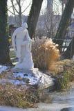 Vit skulptur av fiskaren arkivfoton
