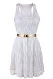 Vit snör åt klänningen med det guld- bältet Royaltyfri Foto
