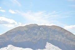 Vit som är salt på bakgrund för blå himmel Arkivbild