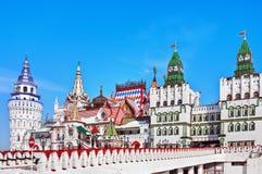 Kremlin i Izmaylovo i Moscow Arkivbild