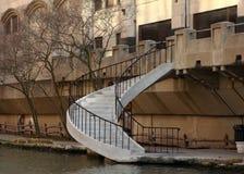 Vit stenar trappan på Riverwalk i San Antonio arkivfoto
