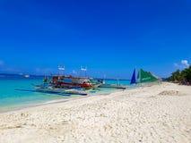 Vit strand av Boracay Filippinerna Arkivfoton