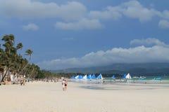Vit strand av den Boracay ön Royaltyfria Bilder