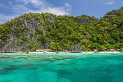 Vit strand i Coron Palawan Filippinerna Arkivfoton