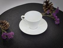 Vit te- eller kaffekopp Royaltyfri Bild