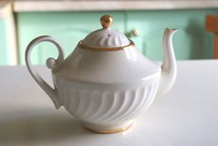 Vit teapot arkivbild