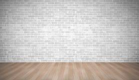 Vit tegelstenvägg för modern tappning på det wood golvet för brun planka med l Royaltyfri Foto
