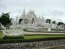 Vit tempel, Chiang Rai, Thailand Royaltyfri Bild