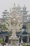 Vit tempel nära vid Chiang Rai, Thailand Royaltyfri Foto