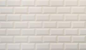 Vit textur för keramiska tegelplattor som imiterar vita tegelstenar royaltyfria bilder