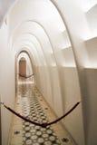 Vit valvgångkorridor, casaBatllo inre Royaltyfri Foto