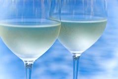 vit wine för exponeringsglas två arkivbilder