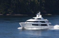 vit yacht Royaltyfria Bilder