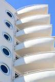 Vita balkonger som näsfartygen av min Marine Residence Royaltyfri Bild