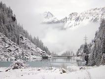 vita berg Arkivfoton