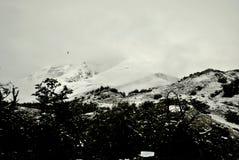 vita berg Arkivbild