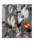 Vita blommor bland avskräde och bet äpplen Royaltyfria Bilder
