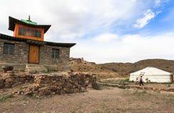 Vita del nomade del mongolian sulla savanna fotografie stock libere da diritti