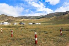 Vita del nomade del mongolian sulla savanna immagini stock libere da diritti