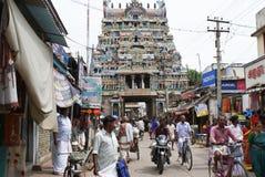 Vita della strada affollata in India Immagine Stock