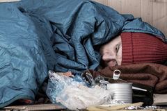 Vita di un uomo senza tetto sulla via Immagine Stock Libera da Diritti