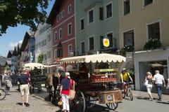 Vita di via in Kitzbuehl, Austria Immagine Stock