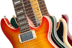 vita elektriska gitarrer Arkivfoto